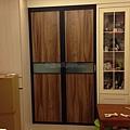 廚房-折門-霧黑色-懸吊-Room28-1.jpg