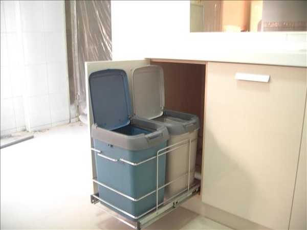 櫥櫃五金-分類垃圾桶