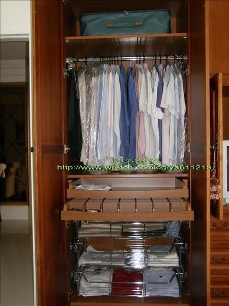 3實木門衣櫃-內部配件