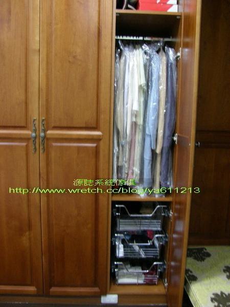 3實木門衣櫃-內部配置-1