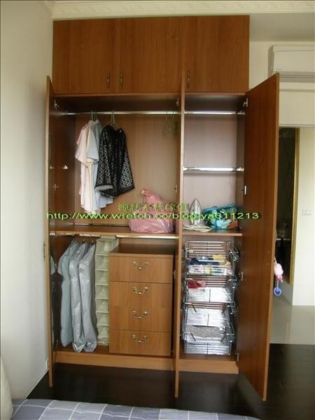 3對開木門衣櫃91-內部配置