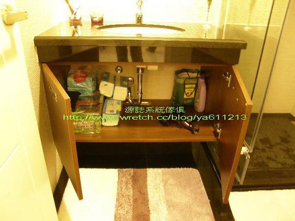 浴櫃內部配置