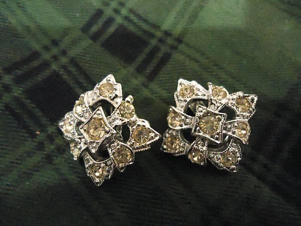 淡黃鑽方形夾式耳環