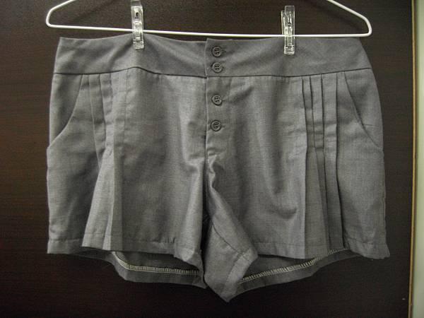 灰  西裝褲材質 短褲     九成新