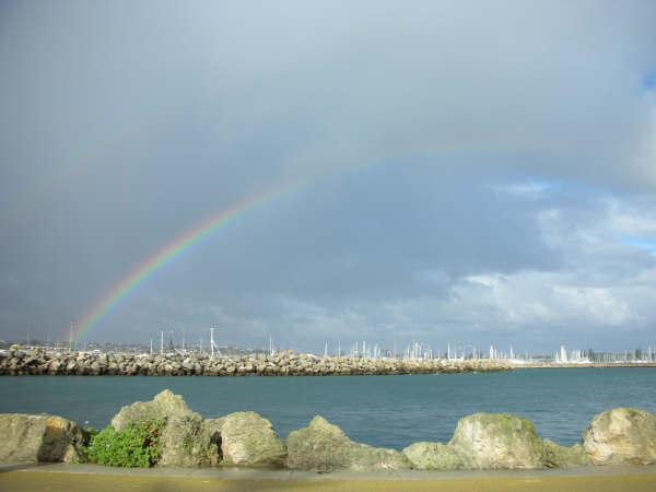 預告悲慘暫時告一段落的彩虹