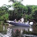 第二天我們將會登上這艘專業釣魚船