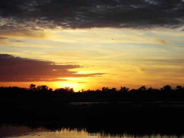 金光閃閃的日出