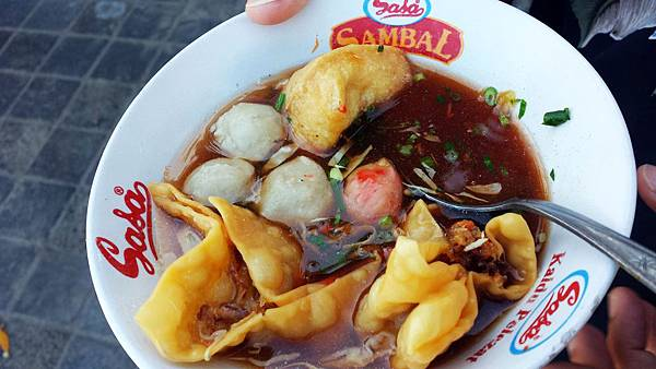 street food meat ball n wanton soup