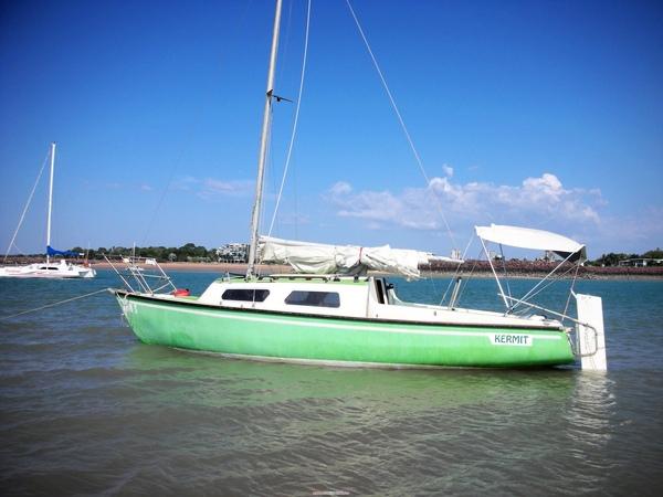 可愛的蘋果綠帆船