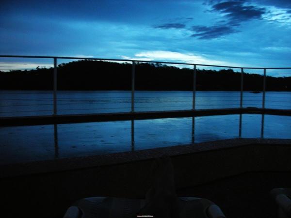 夜晚的Lake Bennett