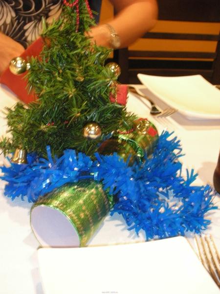 聖誕樹都上桌了