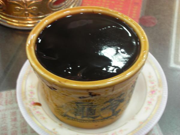 黑又濃的龜苓膏