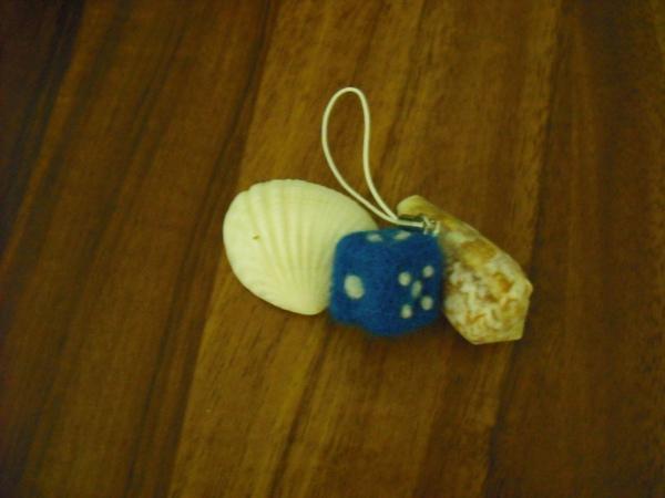 羊毛氈藍色骰子吊飾