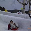 大型雪雕溜滑梯