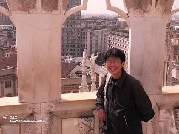 景點篇_米蘭大教堂頂上風光2