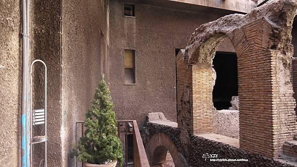 景點篇_羅馬城內建物中之建物
