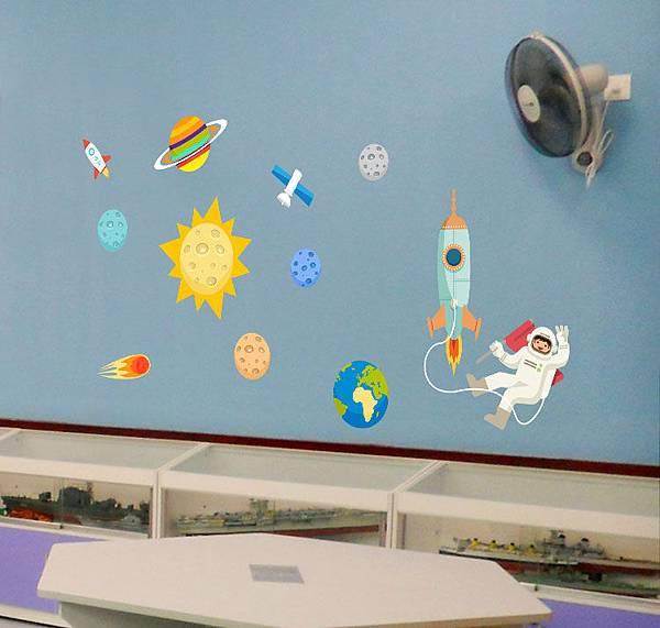 MM-217太空人B款壁貼.jpg