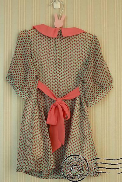 B001湖水綠櫻桃領片洋裝