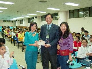 葉倫會教授在台北市西湖國小演講