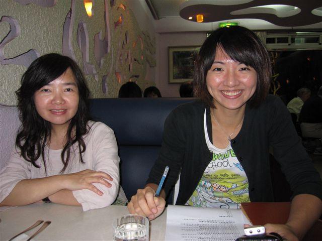 許麗岑和張鈺玫(2011.6.25)IMG_2960.JPG