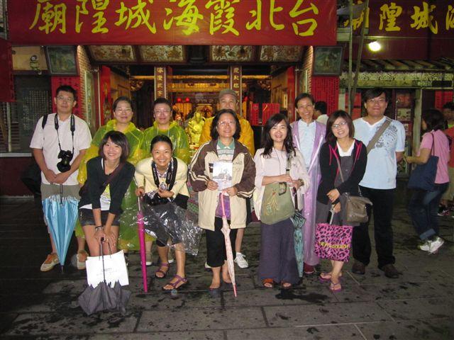 大稻埕老街攝影69次合影(2011.6.25)IMG_2951.JPG
