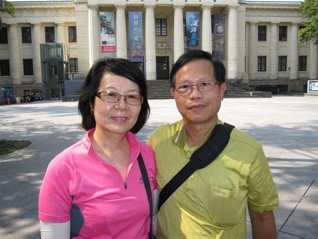 夫妻-台北城23次合影(2011.8.7)IMG_3317.JPG