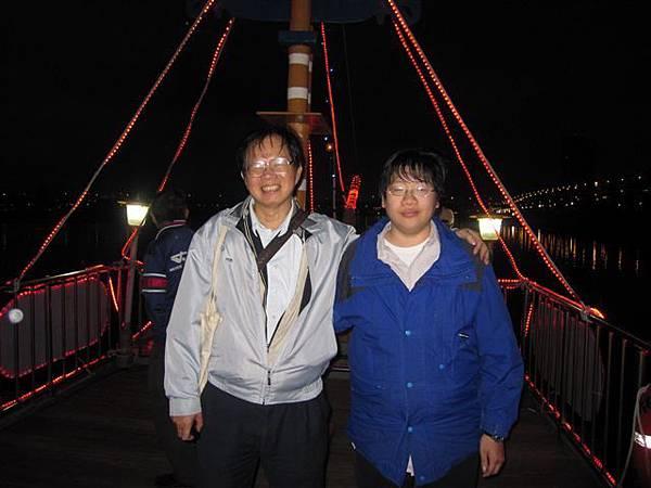 葉倫會和葉俊閔(2011.11.13)IMG_4041.JPG