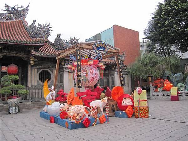 萬華龍山寺燈籠(2012.2.18)IMG_4676.JPG