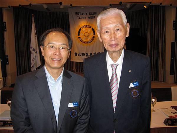 賴崇賢和郭一信(2012.8.15)IMG_6358