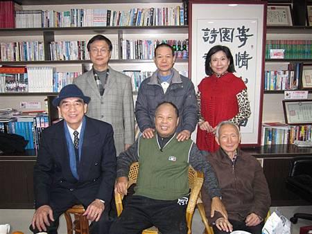 詹益東、吳餘宣、林秀瓊、林和春、徐傑添和謝校長(2013.1.17)IMG_7800