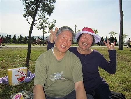 吳瑤台和葉月梅(2013.11.9)IMG_0524