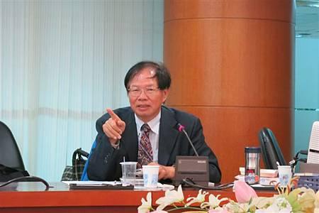 葉倫會在台灣客家論壇(2013.11.22)IMG_4053