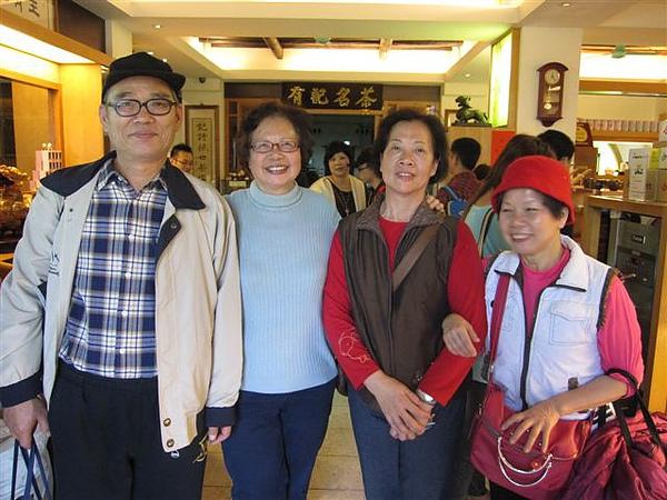 吳元英和她的朋友-大稻埕老街第65次(2011.2.26)IMG_1893.JPG