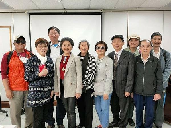 台北散步者群組朋友在建成教會15080.jpg