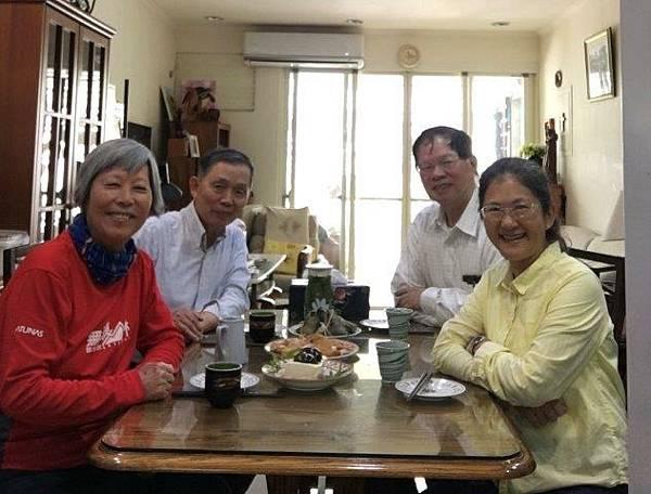 葉倫會、李佩瑾到紀元安牧師家作客C8558EF7-4287-4A7A-955E-7FF8DCC7F5C0.jpg
