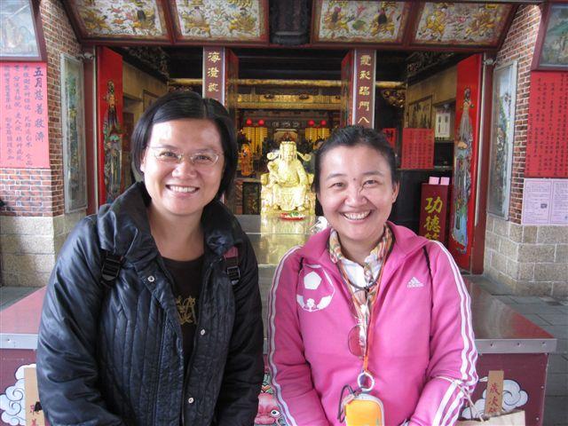 施瑤青和友人(2011.4.23)IMG_2472.JPG