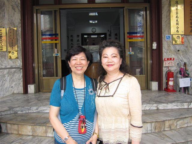 陳麗芬和楊美華(2011.6.4)IMG_2742.JPG