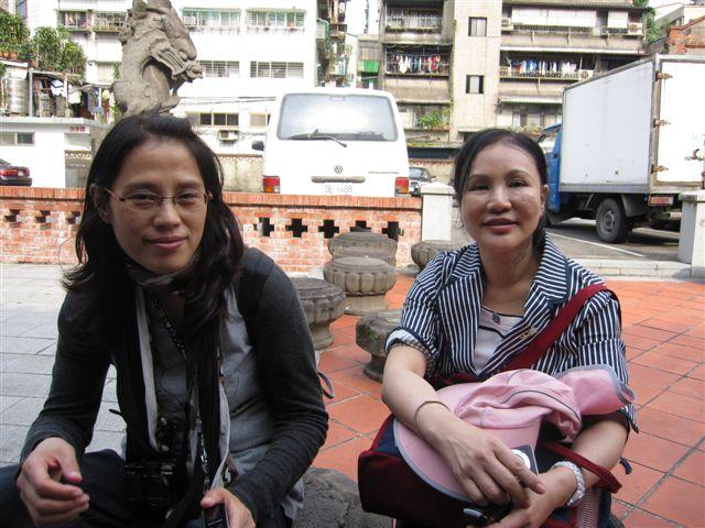 吳惠巧和蕭雁兩位教授 (2012).JPG