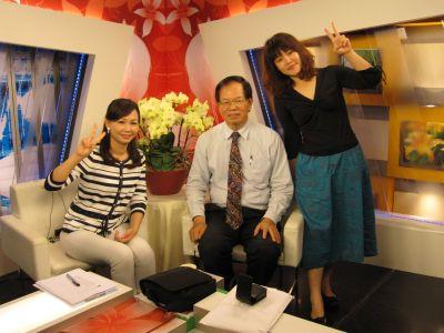 劉惠珍,鍾孟廷和葉倫會在客家電視台(2010.7.12)IMG_0443.JPG