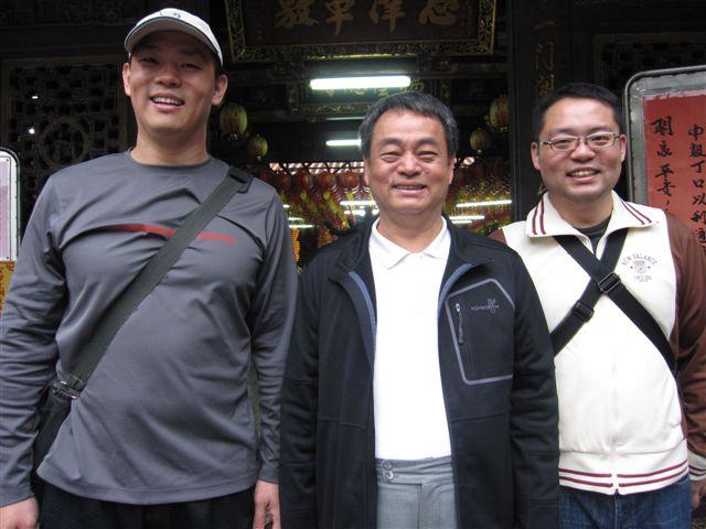 王正立博士父子(2011.4.17)IMG_2429.JPG