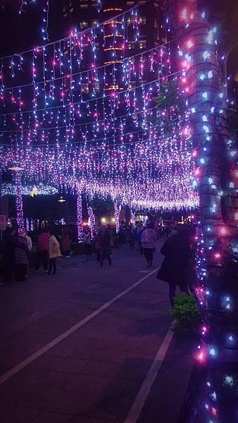 新北耶誕城+板橋大遠百_171213_0016.jpg
