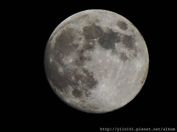 2011-09-11中秋前夕月球表面_low.JPG