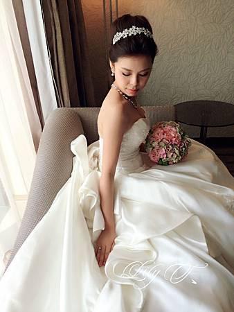 台北新娘秘書Lily左永立 韓風新娘典雅白紗造型 韓風新娘造型 自助婚紗造型 新娘化妝造型