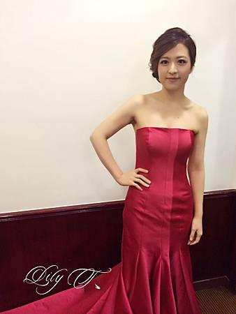 台北新娘秘書Lily左永立 韓式新娘造型 自助婚紗造型 新娘化妝造型 海外新秘服務 林莉婚紗