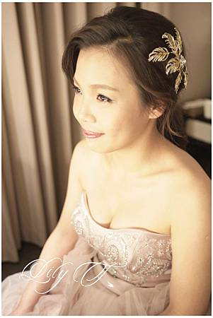 台北新娘秘書Lily左永立 韓風新娘典雅婚紗造型 韓式新娘造型 自助婚紗造型 新娘化妝造型 海外新秘服務 整體時尚彩妝造型 台北國賓大飯店