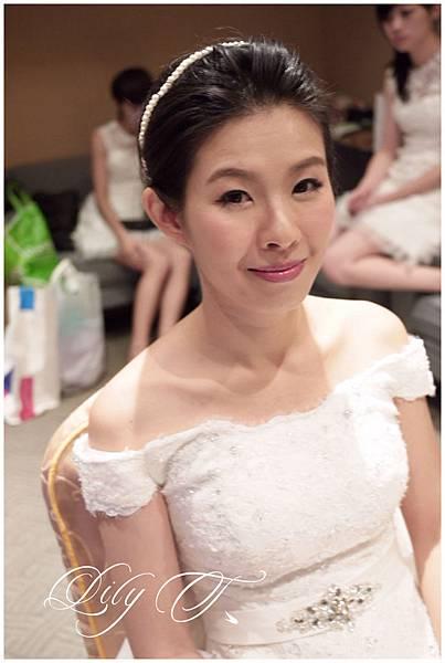 台北新娘秘書Lily左永立 新娘典雅婚紗造型 韓式新娘造型 自助婚紗造型 新娘化妝造型 海外婚紗新秘服務 整體時尚彩妝造型