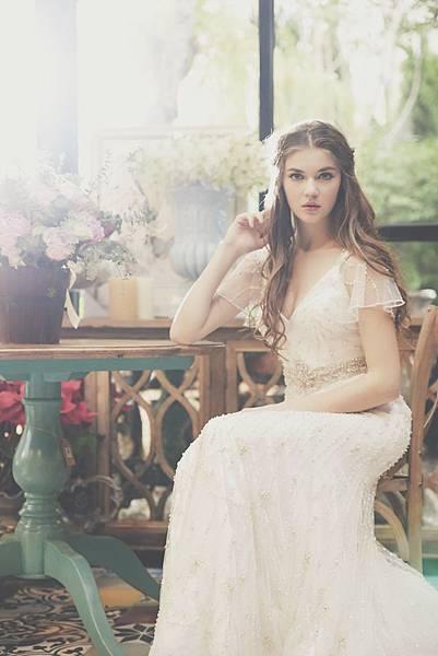 台北新娘秘書左永立Lily 整體時尚彩妝造型 新娘化妝造型 自助婚紗造型 法式風格婚紗 新娘蕾絲白紗典雅造型 海外婚紗新秘服務 個人彩妝教學