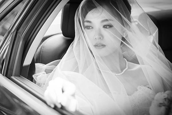 台北新娘秘書Lily左永立 新娘典雅婚紗造型 韓式新娘造型 自助婚紗造型 新娘化妝造型 海外新秘服務 整體時尚彩妝造型 個人彩妝教學 LechicBridal 香格里拉台北遠東大飯店