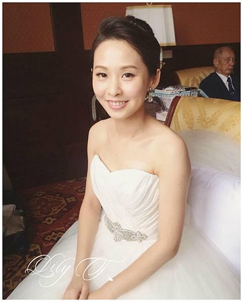 台北新娘秘書Lily左永立 新娘典雅婚紗造型 歐美新娘造型 自助婚紗造型 新娘化妝髮型 海外新秘服務 整體時尚彩妝造型 個人彩妝教學 林莉Linli