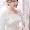 台北桃園新秘 新娘典雅婚紗造型 歐美新娘造型 自助婚紗造型  新娘化妝髮型 海外新秘服務 整體時尚彩妝造型 個人彩妝教學 短髮新娘造型
